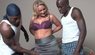 Wicked golden-haired enjoys make an issue of feel of 2 black cocks narrow her