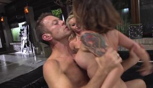 Sluts submit to Rocco Siffredi and this guy fucks their asses