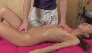 Diminutive oriental Ajenda acquires nailed by youthful masseur