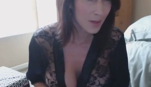 Breasty German MILF smokin' fetish