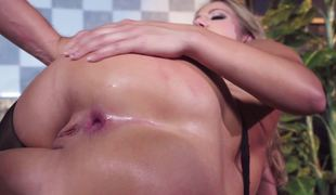 Hawt waitress gets tip from client unfathomable in her ass